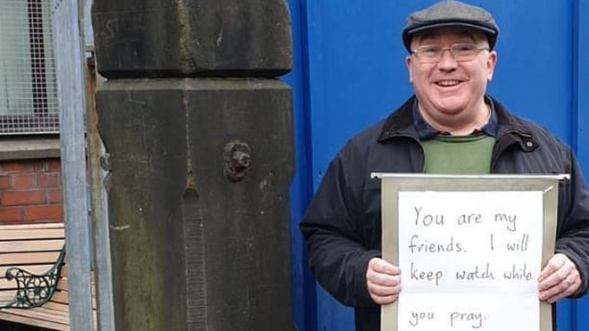 By this simple act of love, this man has gone viral
