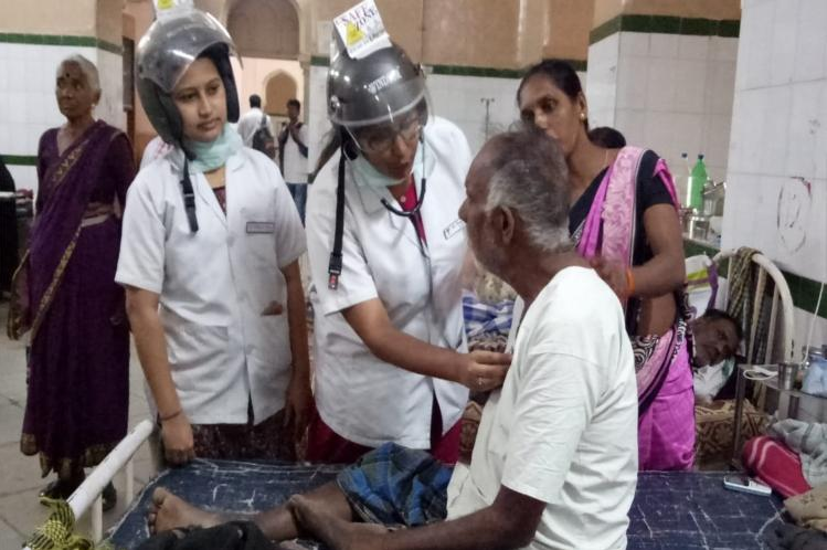 Doctor's protest at Hyderabad's Osmania Hospital, Doctors wear helmets