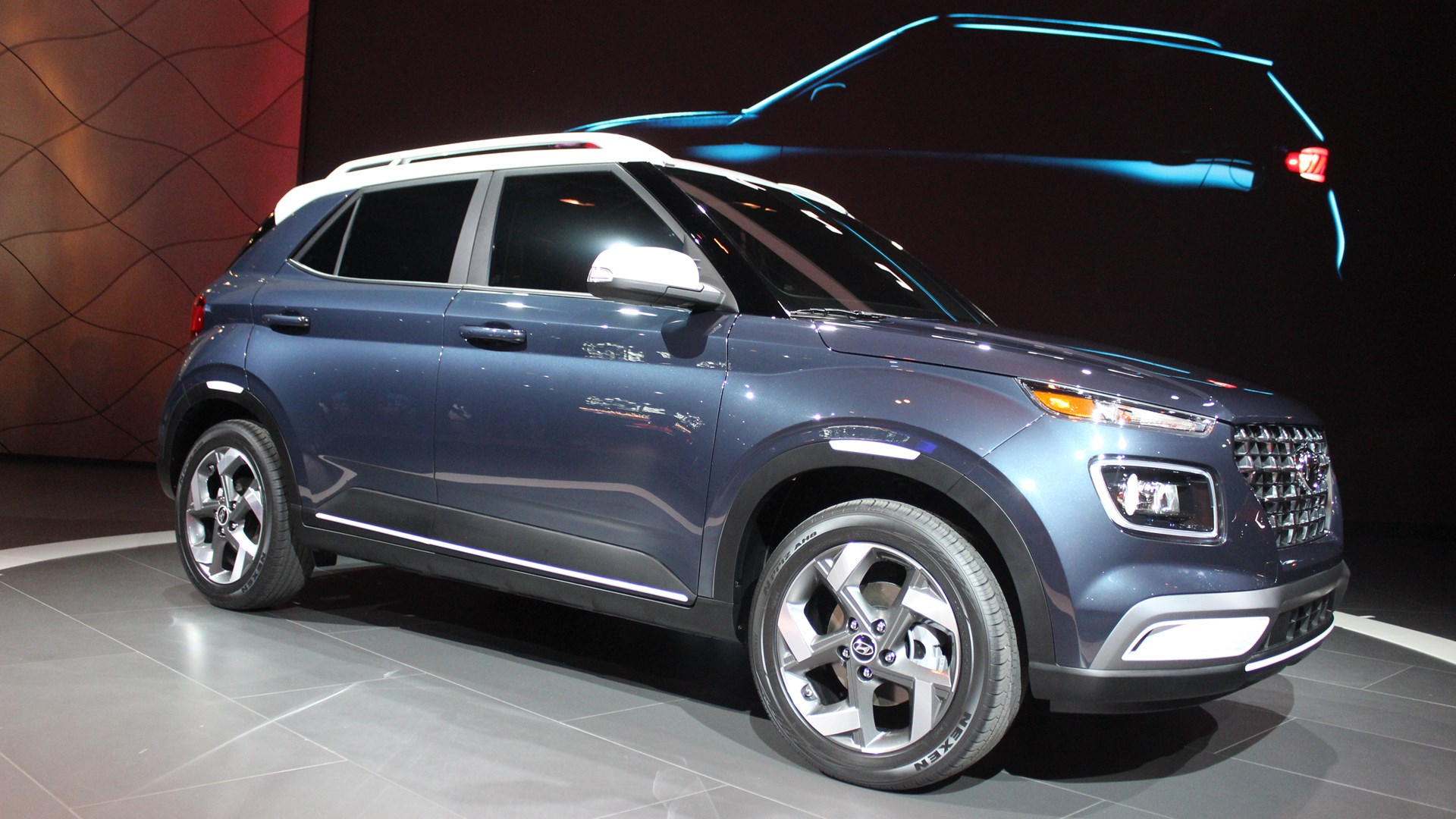 Hyundai Venue create great sensation in market; Many companies gave huge offers on Compact SUV