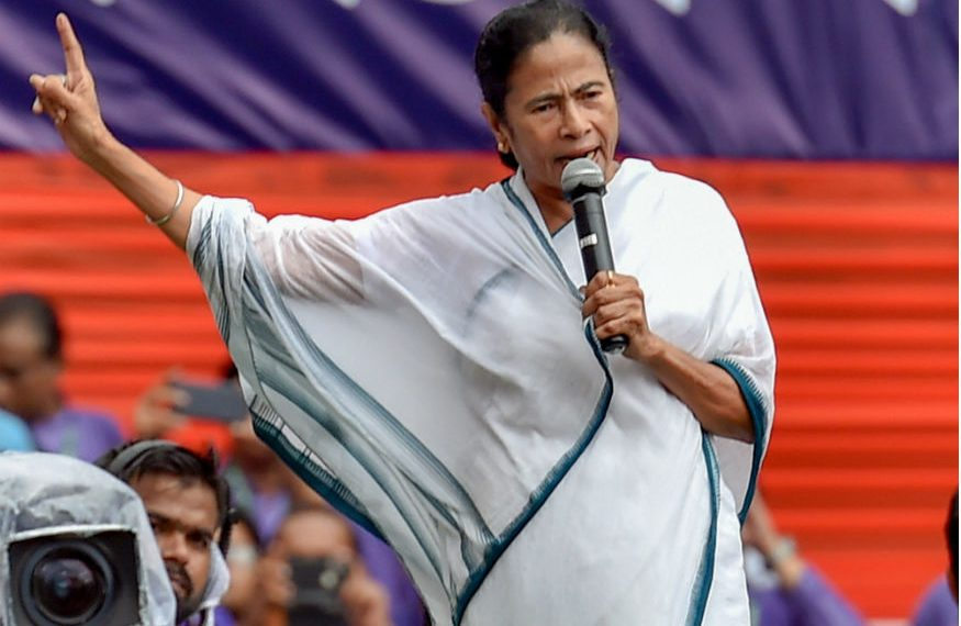 Mamata Banerjee supported Arvind Kejriwal by leading opposition charge in Delhi as four Chief Minister Rally