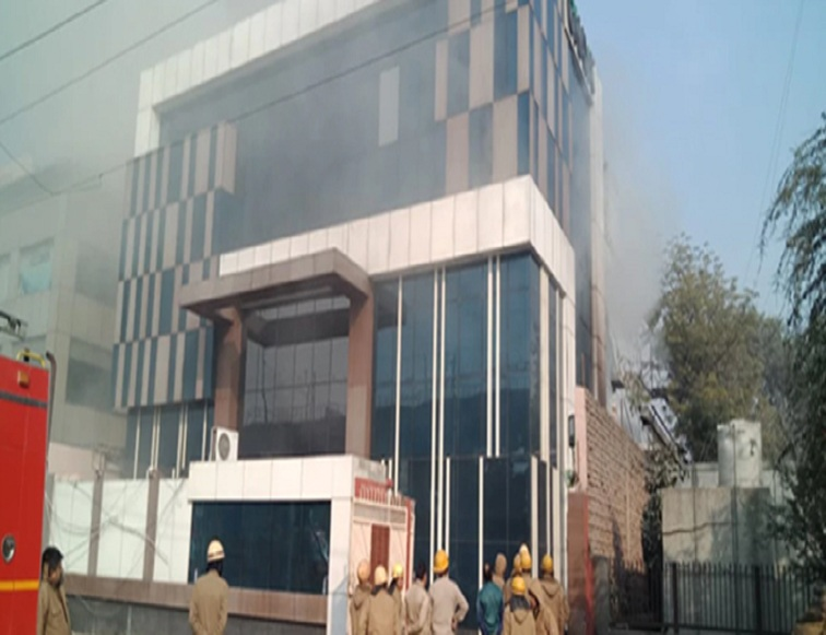 Peera Garhi bulding fire , 18 people were rescued and 14 people were injured