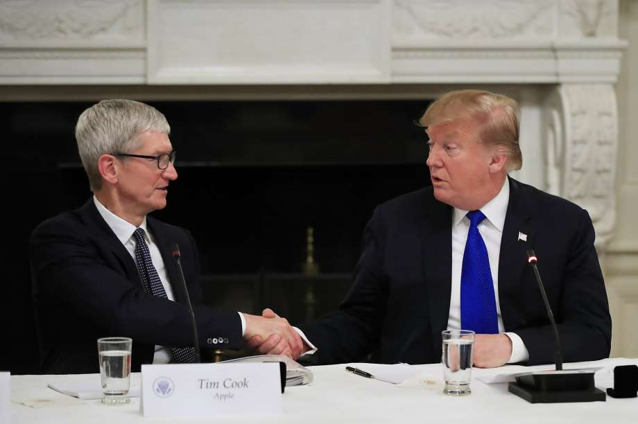 Trump messed up Apple CEO's name, Here's how he replied