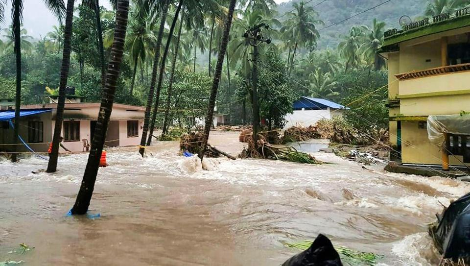 weather-flash-flood-and-landslide-kerala-parts_4b80dfce-9c7c-11e8-86f4-8f26f26dd985.jpg